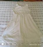 Bonito vestido blanco de encaje - foto