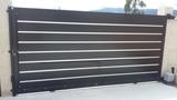 Portal en aluminio negro lacado - foto
