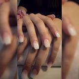 Uñas de gel. - foto