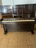 piano W.H.Barnes London - foto