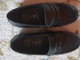 Dos pares de zapatos marca Geox. - foto