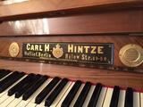 antiguo piano de Carl H. Hintze - foto