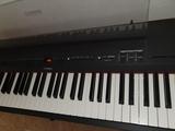 Piano digital Yamaha P255B - foto