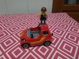 un muñeco un coche Playmobil - foto