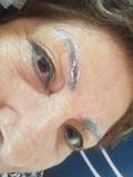 pigmentar  colores  tus cejas  ibiza - foto