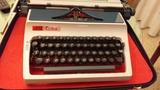 Máquina de escribir de lo años 70 - foto