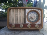 Se vende radio antigua aÑo 60 - foto
