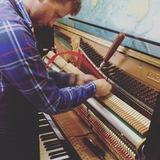 Afinador de pianos en Palencia - foto