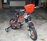 Bicicleta de niños - foto