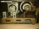 técnico de radios antiguas - foto