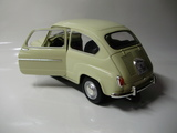 Seat 600 D 1966 1/18 SOLIDO - foto