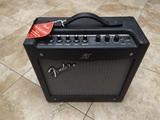 Fender amplificador guitarra mustang i ( - foto