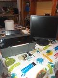 pantalla y inpresora - foto