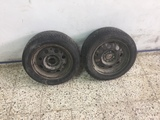 neumáticos con llanta - foto