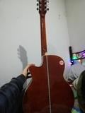 Guitarra española nueva - foto