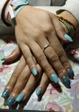 esmaltado permanente y uñas de porcelana - foto