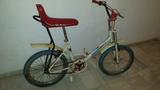 Bicicleta antigua - foto