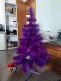arbol de color lila i tio - foto