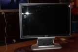 ordenador con pantalla - foto