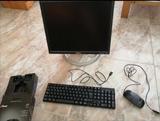 Pantalla con teclado y 2 ratones - foto