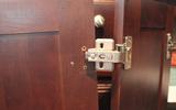Se regulan puertas de cocina - foto