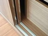 Se regulan puertas-armarios empotrados - foto