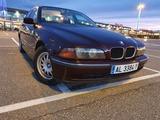 BMW - 520I - foto