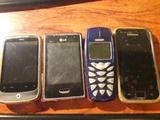 Cuatro moviles de varias marcas - foto