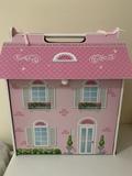 Casa de muñecas - foto