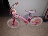 Bicicleta de niña.Badajoz - foto