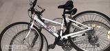 bicicleta en buen estado - foto