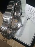reloj de marca BG - foto