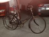 Se vende bicicleta antigua de lujo - foto