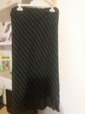 Falda negra - foto