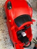 coche de batería marca FERRARI - foto