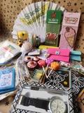 Variedad de artículos de regalo - foto