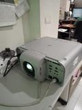 Video proyector NEC de alto brillo - foto