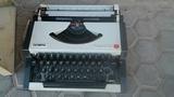 máquina de escribir OLIMPIA - foto