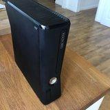 XBOX 360 250GB+Auricular/Micro+Mando - foto