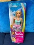 Barbie Dreamtopia articulada - foto