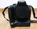Canon EOS 1100D + empuñadura + 2 batería - foto