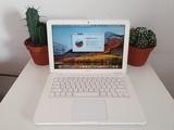 Apple MacBook 6,1 A1342 Finales 2009 - foto