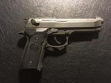Beretta polimero reforzado, GBB. de KJW - foto