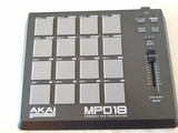 Akai MPD 18 - foto