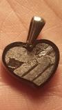 Meteorito Seymchan corazón - foto