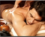 chico joven ,masaje de cuerpo entero - foto