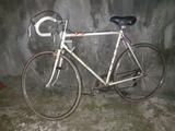 Se vende bici de carreras - foto