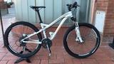 Bicicleta de montaña Specialized de muje - foto