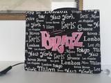 Lote Bratz 3 muñecas caja y accesorios - foto