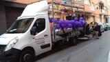 transporte furgoneta con plataforma - foto